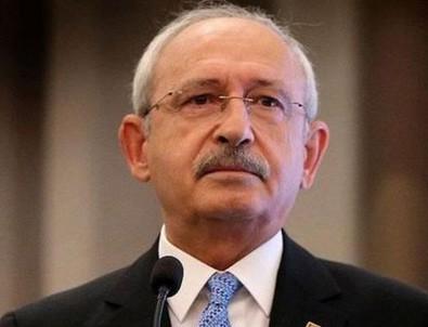 Kılıçdaroğlu 2010 yılında Baykal'a onursal başkanlık teklif etmiş
