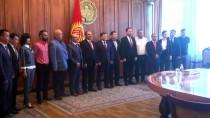 KASTAMONU ÜNIVERSITESI - Kırgızistan'dan Kastamonu Üniversitesi Rektörü Aydın'a Üstün Hizmet Ödülü