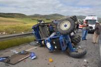 MUSTAFA YıLMAZ - Minibüs İle Traktör Çarpıştı Açıklaması 21 Yaralı