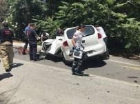 İZMIR EKONOMI ÜNIVERSITESI - Trafik Levhasına Çarpan Üniversite Öğrencisi Hayatını Kaybetti