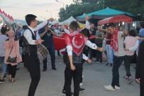 DAVUL ZURNA - Asker Adayları, Dev Türk Bayrağı Açıp Eğlence İçin Para Topladı