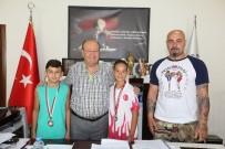 MESUT ÖZAKCAN - Başarılı Sporculardan Başkan Özakcan'a Ziyaret