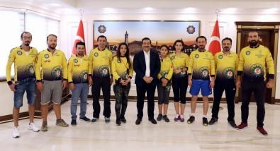 Başkan Atilla Sporcuları Ağırladı