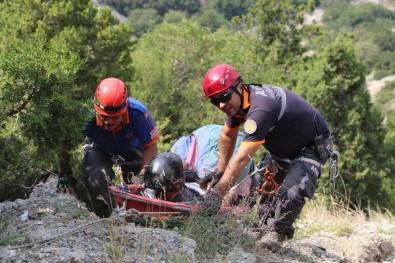 Bin Metreden Paraşütle Kayalıklara Çakılan Adamın İnanılmaz Kurtuluşu