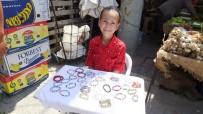 Burhaniye'de Boncuk Bileklikler Küçük Sanem'e Okul Harçlığı Olacak