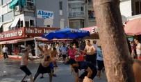 Bursa'da Sopalı Sandalyeli Yer Kavgası Kamerada