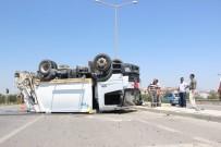 Çöp Kamyonu İle Otomobilin Karıştığı Kaza Ucuz Atlatıldı Açıklaması 1 Yaralı