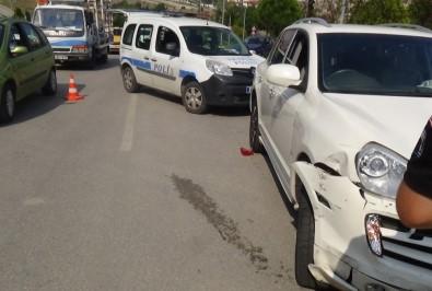 Karabük'te İki Otomobil Çarpıştı Açıklaması 8 Yaralı