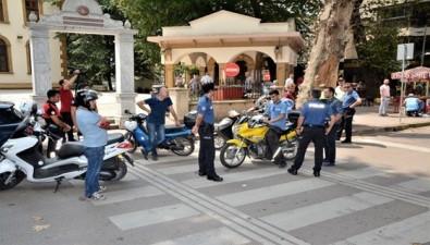 Kocaeli'de Aranması Olan 4 Şahıs Polis Uygulamasında Yakalandı