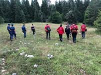 AHMET YıLDıZ - Ormanda Kaybolan Yaşlı Adam Kalbine Yenik Düştü