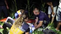 TAŞDELEN - Telefonların Işıklarıyla Kaza Yapan Sürücüyü Aradılar