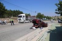 OSMANGAZİ ÜNİVERSİTESİ - Tır Otomobille Çarpıştı Açıklaması 1 Yaralı