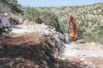 BÜYÜKŞEHİR YASASI - Yayıktaş Ve Kabasıkız'da Açılan Arazi Yolları Çiftçileri Sevindirdi