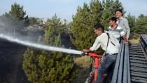 ANIZ YANGINI - Anız Yangınına TOMA'lı Müdahale