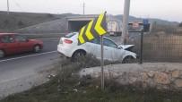 YEŞILKENT - Bilecik'teki 2 Kazada 2 Kişi Yaralandı