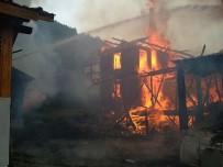 Bolu'da Çıkan Yangın 2 Ev Ve 1 Odunluğu Kül Etti