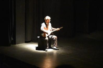 Hasret Gültekin'in hayatı tek kişilik türkü müzikalinde