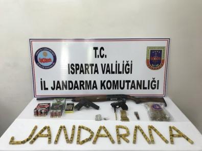 Jandarmanın Zehir Operasyonunda Uyuşturucu Madde, Silah Ve Mühimmat Ele Geçirildi