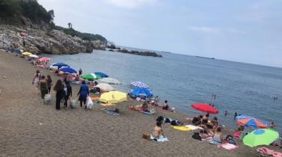 Kapuz Plajı'nda Kadınlar Günü Etkinliği Başladı
