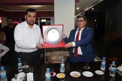 Kaymakam Çetin'den Müftü Aktoprak'a Plaket