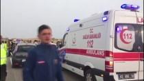 ZİNCİRLEME KAZA - Kum Fırtınası İki Zincirleme Kazaya Yol Açtı Açıklaması 17 Yaralı
