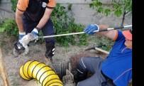 RAMAZAN YıLMAZ - Kuyuda Mahsur Kalan Kedi AFAD Ekiplerince Kurtarıldı