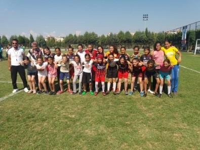 Minik Kızlar 2018-2019 Sezonunu Turgutlu'da Açtı