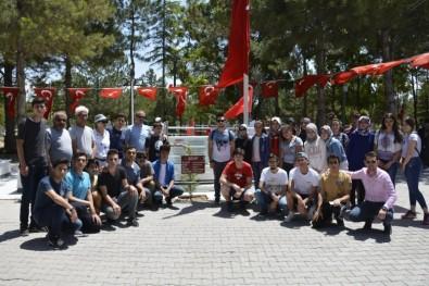 Öğrencilerden Ömer Halisdemir'in Kabrine Ziyaret