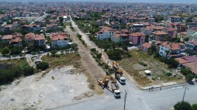 Pamukkale'nin En Çok Sokağı Olan Mahallesinde Üst Yapı Çalışmaları Sürüyor
