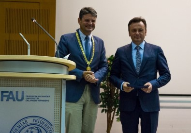 Rektör Prof. Dr. Şenocak'a Almanya'da Onursal Doktora Unvanı Verildi