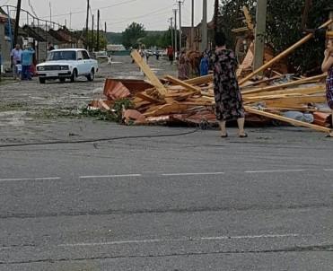 Rusya'da Şiddetli Fırtına Açıklaması 9 Yaralı