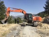 MENDERES TÜREL - Alanya'da Yayla Yolları Genişletiliyor