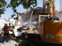 YENI CAMI - Başkan Akgün'den Celaliye Mahallesi'ne Çok Özel Bir Cami