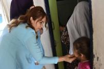 Belediye Ekipleri Sokak Sokak Gezerek Vatandaşları Dinliyor