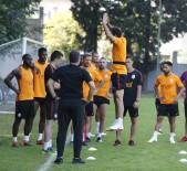 METİN OKTAY - Galatasaray Çalışmalarını Sürdürüyor