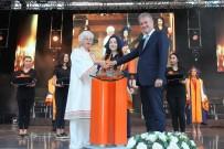 MAHMUT ÖZGENER - İzmir Ekonomili Mezunlar İş Dünyasına Adım Attı