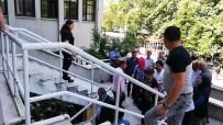 KıNA GECESI - Kına Dönüşü Katliamın Sanıkları Hakim Karşısına Çıktı, Duruşma Sonunda Taraflar Birbirine Girdi