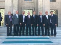 VEYSEL KARANI - Milletvekili Çolakoğlu'nun Rozetini Kızı Taktı
