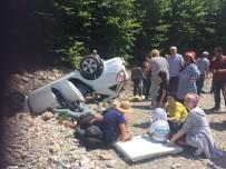 Otomobil Şarampole Yuvarlandı Açıklaması 5 Yaralı