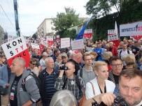 EMEKLİLİK YAŞI - Polonya'da Yargı Krizi Açıklaması Halk Yeniden Sokaklarda