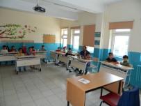 KIZ ÖĞRENCİLER - Posof'ta Kuran Kurslarını Yoğun İlgi