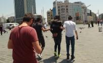 TAKSIM - Taksim Meydanı'nda Hareketli Dakikalar
