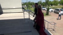 RESMİ NİKAH - Tek Ders Sınavına Kına Elbisesiyle Girdi