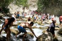 MEHMET TAŞDEMIR - Artan Sıcaklar Saklıkent'te İlgiyi Artırdı