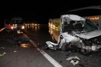 Düzce TEM Otoyolunda Feci Kaza 1 Ölü 1 Yaralı