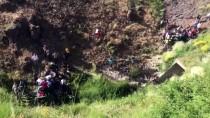 YARALI ASKERLER - Erzurum'da Askeri Zırhlı Araç Şarampole Devrildi Açıklaması 2 Yaralı