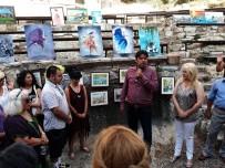 RESIM SERGISI - Foça'da, Hayatını Kaybeden Ressam İçin Sergi Vefası