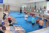 Hakkari'nin İlk Yarı Olimpik Yüzme Havuzu Açıldı