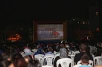 PATLAMIŞ MISIR - Küçükçekmece'de Yeşilçam Sinema Geceleri Başladı