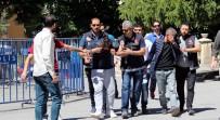 Kütahya'da Uyuşturucu Ticareti Yaptıkları Öne Sürülen 3 Kişi Tutuklandı